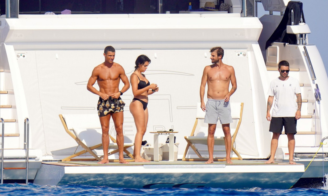 PREMIUM EXCLUSIVE: Cristiano Ronaldo and his girlfriend Georgina Rodriguez having fun on a yacht during holidays in St-Tropez