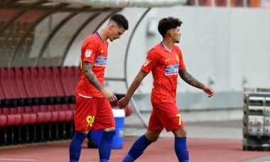 Dennis Man și Florinel Coman, înaintea meciului FCSB - FC Botoșani / Foto: Sport Pictures