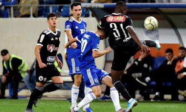 Jucătorii de la FC U Craiova, în timpul unui meci cu U Cluj / Foto: Sport Pictures