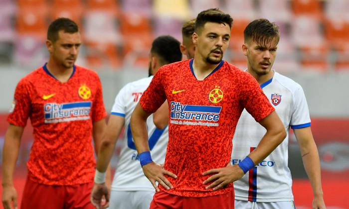 Adrian Petre, în tricoul FCSB-ului / Foto: Sport Pictures