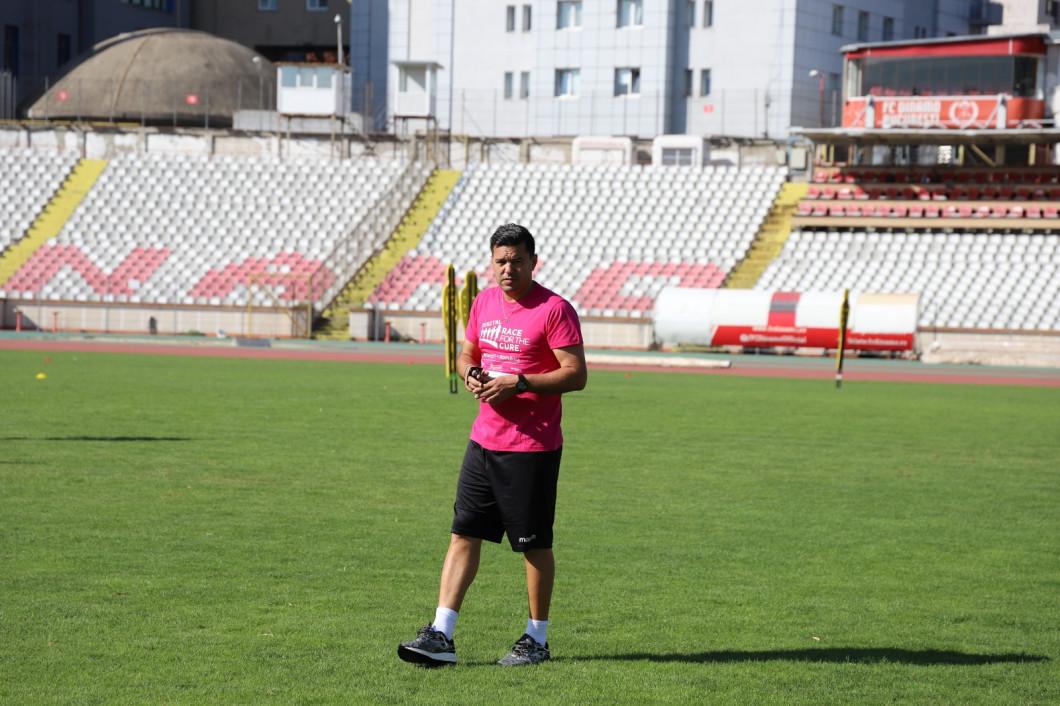 Dinamo in roz 8 - Copy