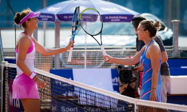 Simona Halep și Irina Begu, după meciul direct de la Praga / Foto: Profimedia