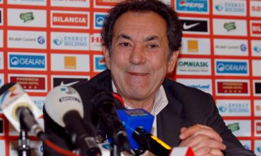 0.FOTBAL:PREZENTARE OSVALDO MIRANDA LA DINAMO BUCURESTI (7.02.2008)