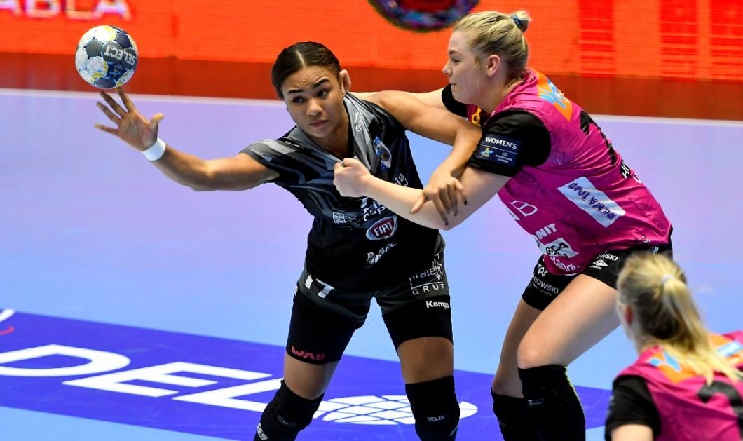 Elizabeth Omoregie, într-un meci CSM București - Vipers Kristiansand / Foto: Getty Images