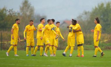 Fotbaliștii de la Petrolul, la Recea / Foto: Sport Pictures