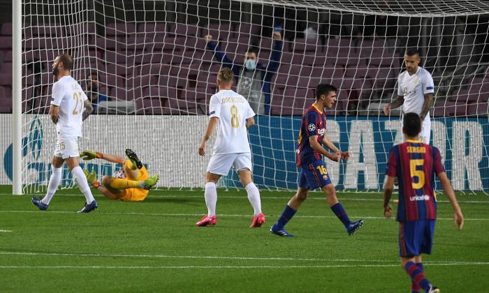 Pedri, după golul marcat pentru Barcelona în meciul cu Ferencvaros din Champions League / Foto: Getty Images