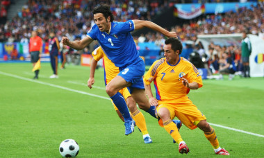 Italy v Romania - Group C Euro 2008