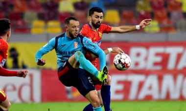 Vali Crețu și Daniel Neguț, într-un meci FCSB - Chindia / Foto: Sport Pictures