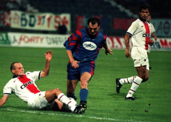 FOTBAL:STEAUA BUCURESTI-PSG 3-2,LIGA CAMPIONILOR (13.08.1997)