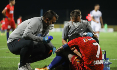 Florinel Coman, accidentat în meciul Backa Topola - FCSB / Foto: Sport Pictures