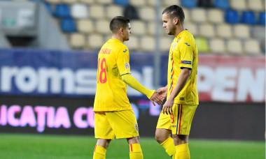 Răzvan Marin și George Pușcaș, după România - Austria 0-1 / Foto: Sport Pictures