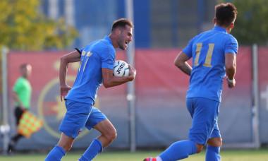 Fotbaliști de la CSA Steaua, într-un meci cu FCSB 2 / Foto: Sport Pictures