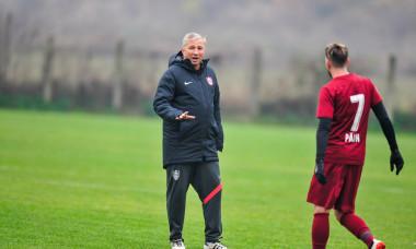 Dan Petrescu, antrenorul și arbitrul de ocazie la CFR Cluj / Foto: Facebook@fotbalclubcfr1907clujnapoca