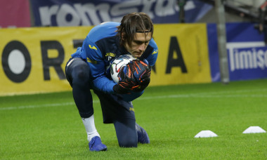 Ciprian Tătărușanu, la un antrenament la naționala României / Foto: Sport Pictures