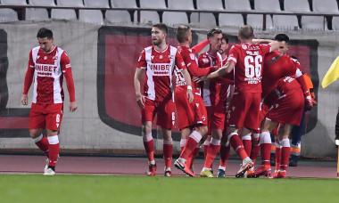 Fotbaliștii lui Dinamo, în meciul cu FC Voluntari / Foto: Sport Pictures