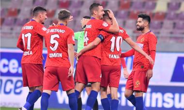 Fotbaliștii de la FCSB, în meciul cu FC Botoșani / Foto: Sport Pictures