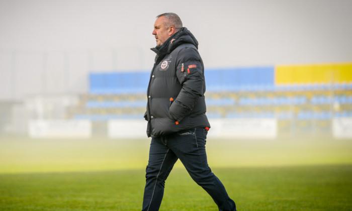 Mihai Iosif, antrenorul Rapidului, înaintea partidei cu Aerostar Bacău / Foto: Sport Pictures