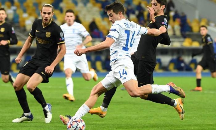 Carlos De Pena Bonino, în meciul Dinamo Kiev - Barcelona / Foto: Profimedia