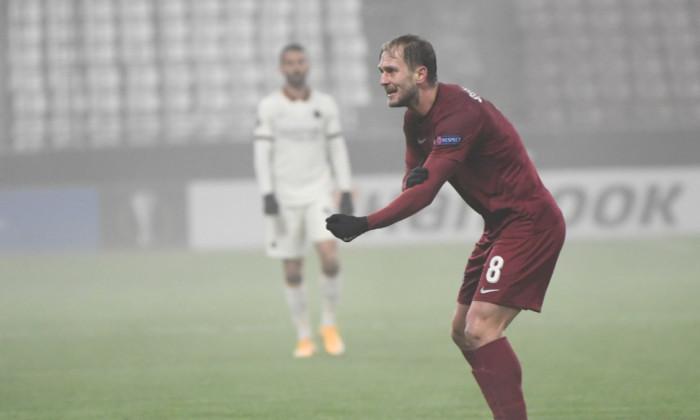 Damjan Djokovic, mijlocașul lui CFR Cluj, în partida cu AS Roma / Foto: Sport Pictures