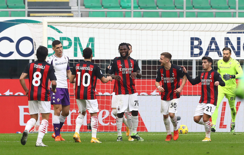 """Milan - Fiorentina 2-0. """"Diavolii"""" sunt neînvinși în ultimele 21 de meciuri"""