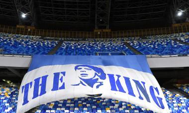 Banner afișat pe stadionul lui Napoli, înaintea meciului cu AS Roma din Serie A / Foto: Getty Images