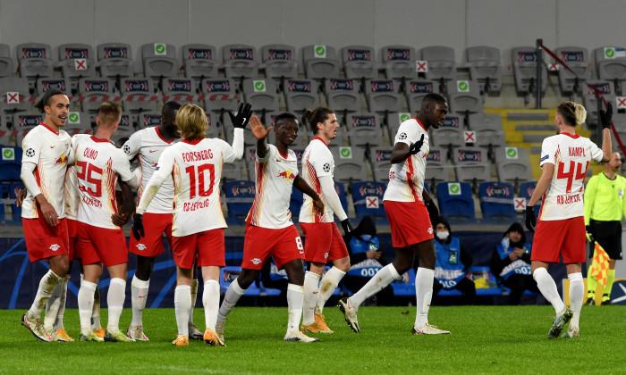 Fotbaliștii lui Leipzig, în meciul cu Istanbul Bașakșahir / Foto: Getty Images