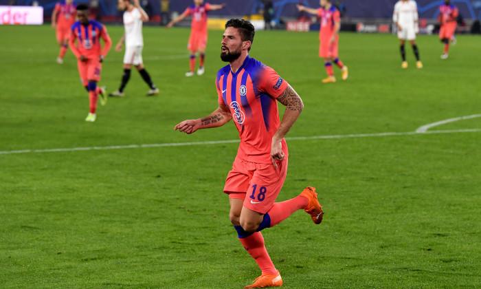 Olivier Giroud, în meciul cu Sevilla / Foto: Getty Images