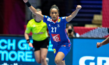 Estelle Nze Minko, în meciul cu Slovenia de la Euro de Handbal feminin / Foto: Profimedia