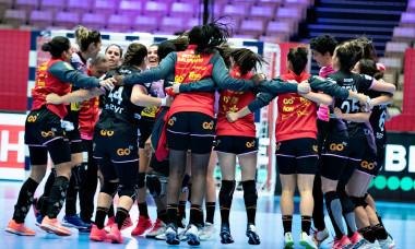 Echipa Spaniei, după victoria cu Cehia de la Euro de Handbal Feminin / Foto: Profimedia