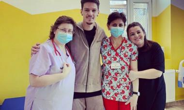 Dennis Man, la Spitalul Clinic Județean Arad / Foto: Instagram - @dennismanofficial