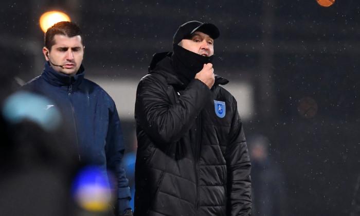 Corneliu Papură, antrenorul Craiovei, în meciul cu CFR Cluj / Foto: Sport Pictures