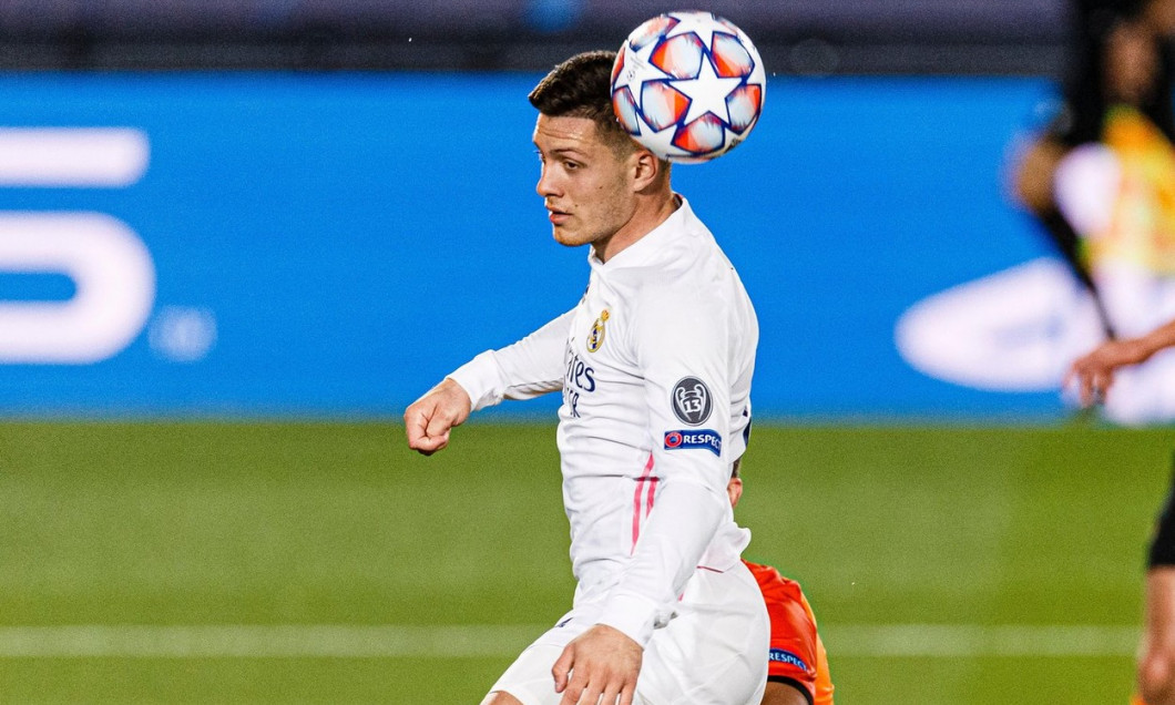 Madrid, Spain. 21st Oct, 2020. Luka Jovic of Real Madrid (L) heads the ball during the UEFA Champions League group stage match between Real Madrid and Shakhtar Donetsk at Estadio Alfredo Di Stefano. (Photo by Eurasia Sport Images / Alamy)