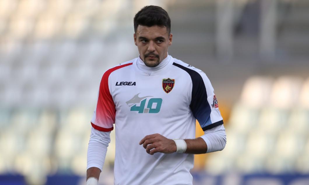 Adrian Petre, în tricoul Cosenzei / Foto: Profimedia
