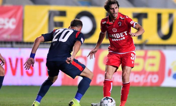 Diego Fabbrini, mijlocașul lui Dinamo, într-o partidă cu Chindia / Foto: Sport Pictures