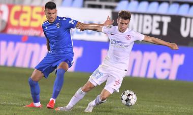 Cosmin Achim și Darius Olaru, în timpul meciului FC Voluntari - FCSB / Foto: Sport Pictures