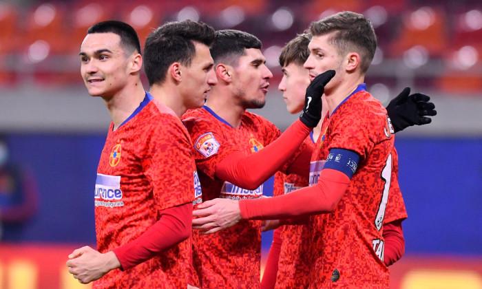 Fotbaliștii de la FCSB, în partida cu FC Voluntari / Foto: Sport Pictures