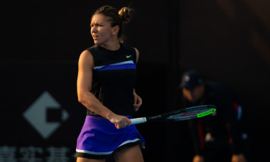 Simona Halep, în timpul ultimei confruntări directe cu Ekaterina Alexandrova, meci pierdut la Beijing / Foto: Profimedia