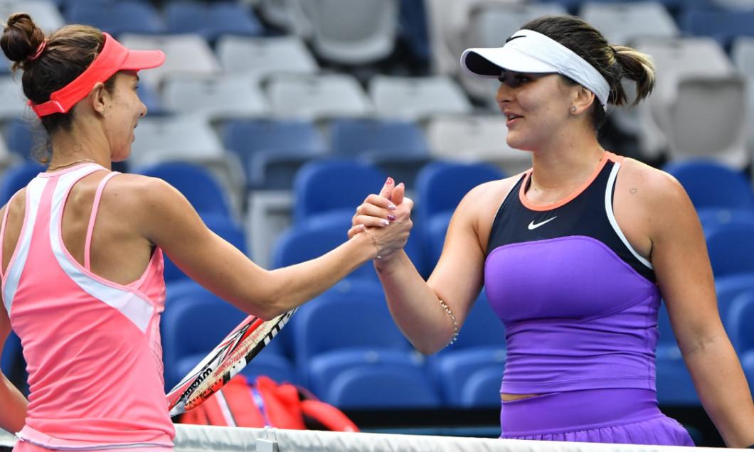 Bianca Andreescu și Mihaela Buzărnescu, după meciul direct de la Australian Open / Foto: Profimedia