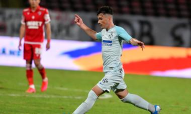 Adrian Niță, într-un meci FCSB - Dinamo / Foto: Sport Pictures