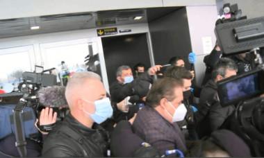 Ioan Niculae a fost reținut de pe aeroport / Foto: Captură Digi Sport