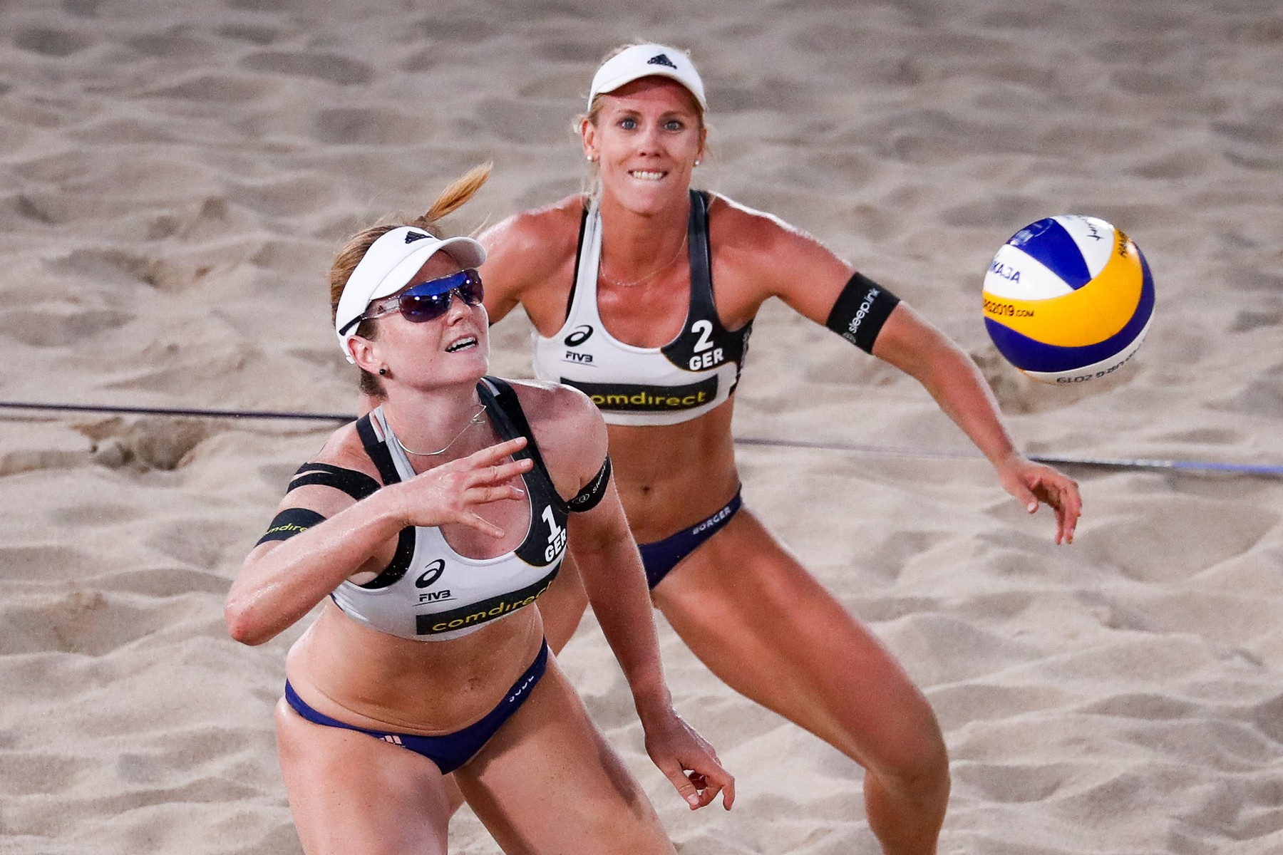 Refuz categoric de a participa la turneul de volei pe plajă dacă nu sunt lăsate să joace în bikini