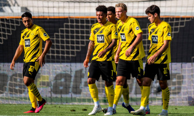 12 August 2020, Austria, Altach: Football: Test matches, SC Altach - Borussia Dortmund in the Cashpoint Arena. (L-r): Immanuel Pherai, Jadon Sancho, Jude Bellingham, goal scorer Erling Braut Haaland and Giovanni Reyna of Dortmund are happy after the goal