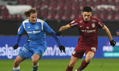 Nicolae Carnat și Manuel De Iriondo, într-un meci CFR Cluj - Poli Iași / Foto: Sport Pictures