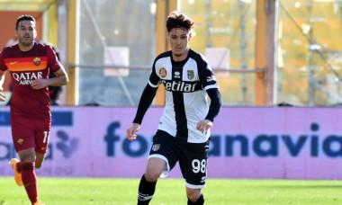 Dennis Man, în meciul Parma - AS Roma / Foto: Profimedia