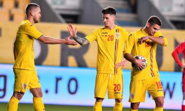 George Pușcaș, Dennis Man și Răzvan Marin, în meciul România - Belarus / Foto: Sport Pictures