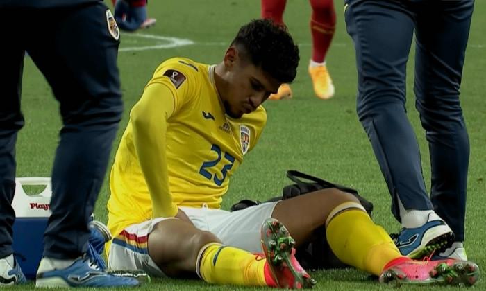 Florinel Coman, accidentat, în meciul România - Macedonia de Nord / Foto: captură ProTV