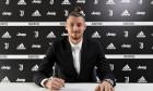 Radu Drăgușin, după semnarea contractului cu Juventus / Foto: Twitter@juventusfc