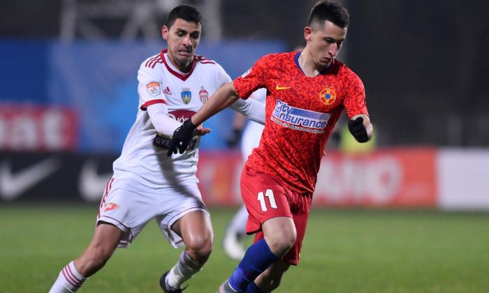Olimpiu Moruțan și Gabriel Vașvari, în meciul FCSB - Sepsi / Foto: Sport Pictures