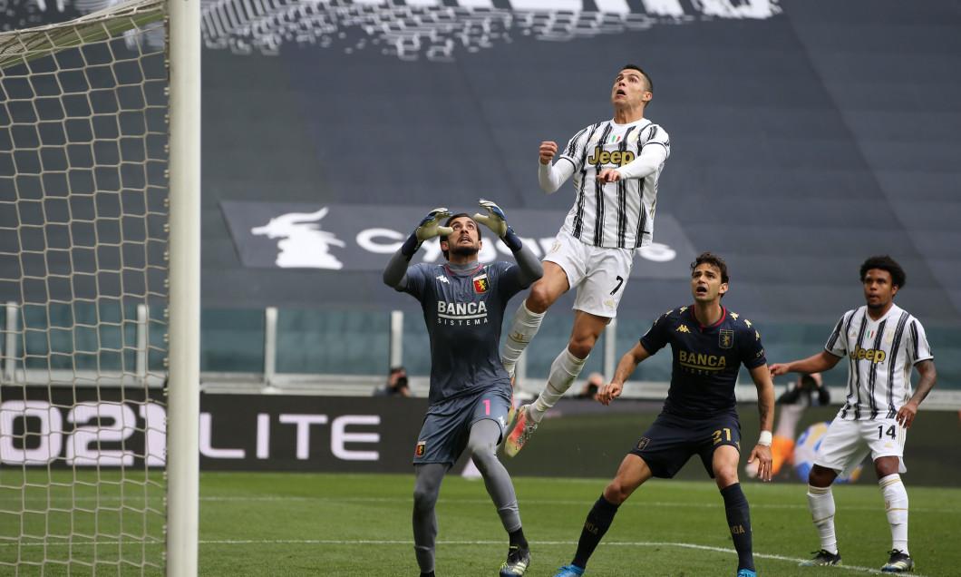 Cristiano Ronaldo și Mattia Perin, în meciul Juventus - Genoa / Foto: Profimedia
