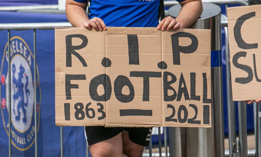 Chelsea fans protest against European Super League - 20 Apr 2021